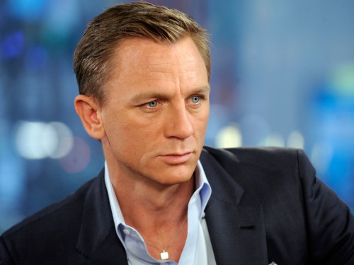 Daniel-Craig-casino-hd-wallpapers.jpg