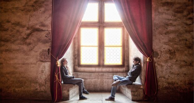 parler avec des filles avoir une conversation discussion