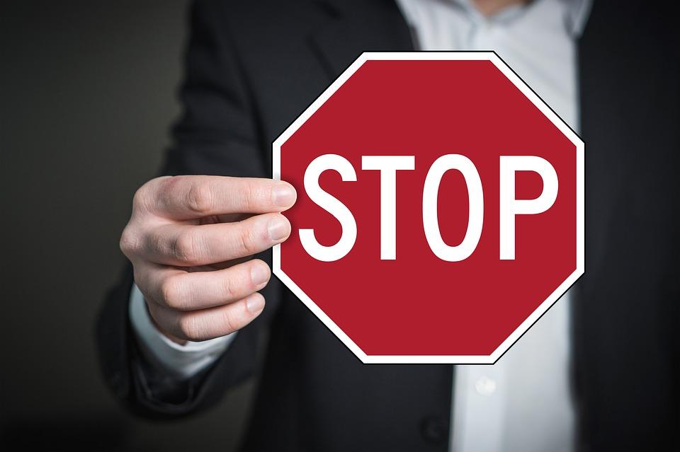 Conseil : ne pas forcer l'arrêt quand on aborde une fille dans la rue